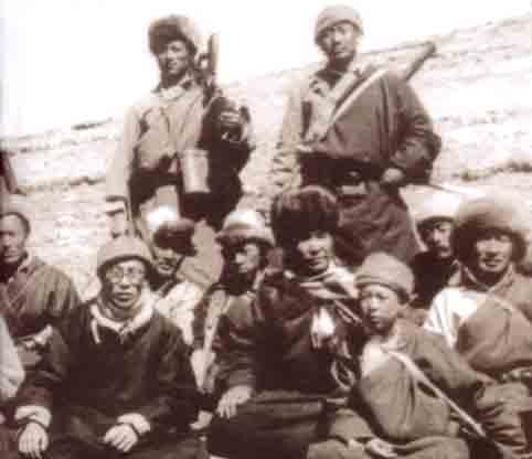 Dalai Lama and  Chushi Gangdruk guerillas escape
